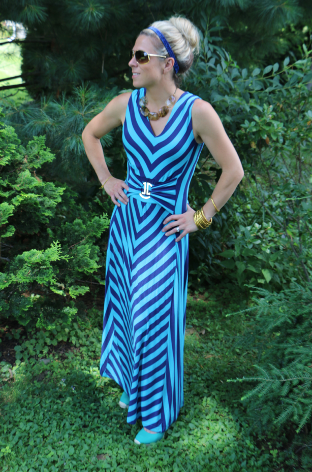 36800ee59 The Perfect Maxi Dress  FashionFriday  LizLange - Mom Generations ...