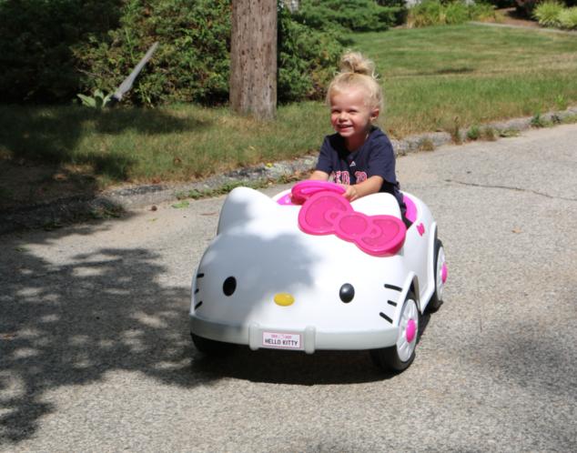 Hello Kitty Car