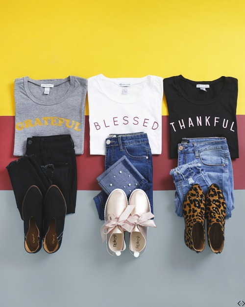 GRATEFUL tee - Graphic Tees for Thanksgiving