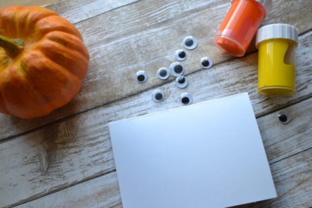 Thanksgiving Day Craft: Thumbprint Place Cards