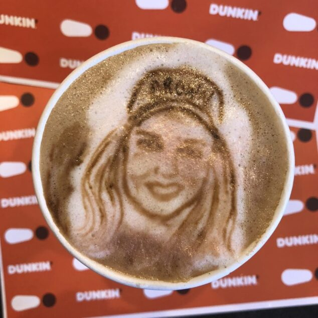Dunkin' Sipping is Believing Pop-up Experience