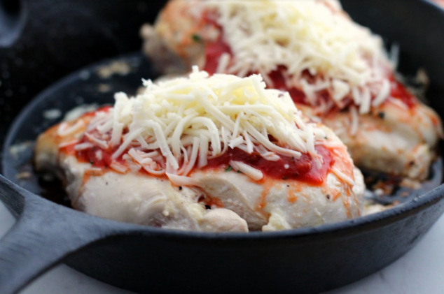 Keto Lasagna Stuffed Skillet Chicken