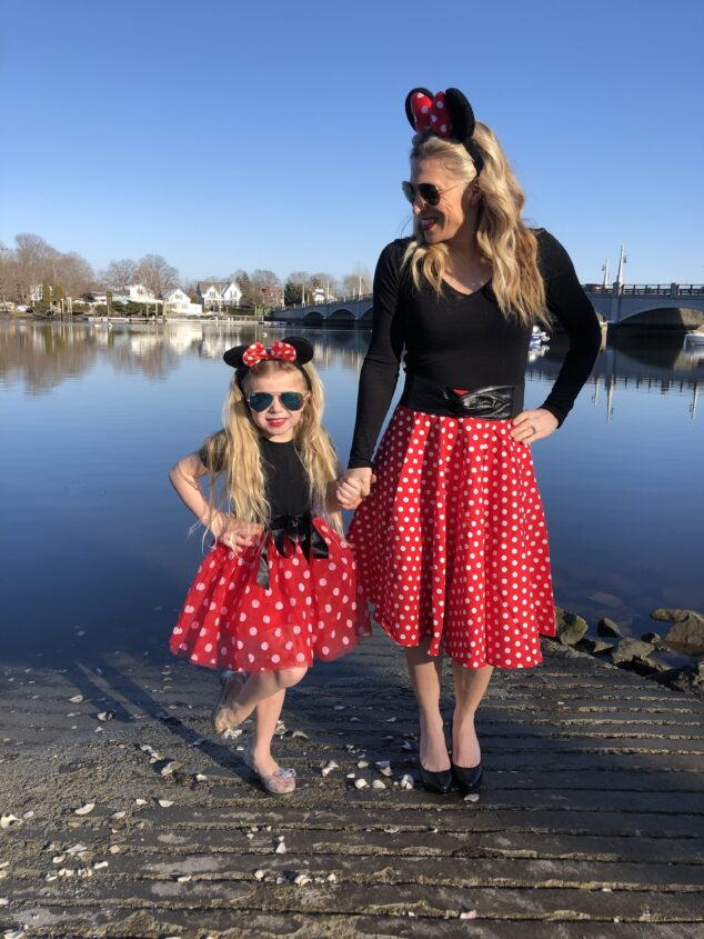 How to Dress Like Minnie Mouse