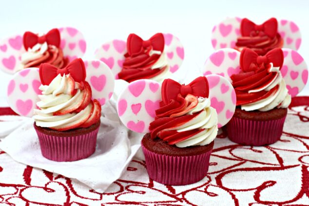 Minnie Mouse Cupcakes for Valentine's Day