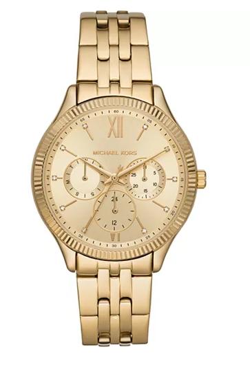 Wearing a watch - oversized watch