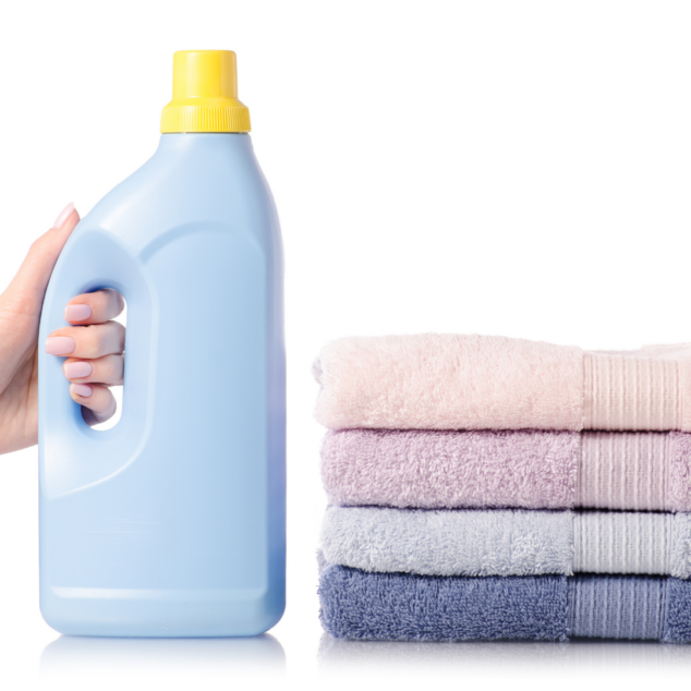 Detergent for cleaning clothes