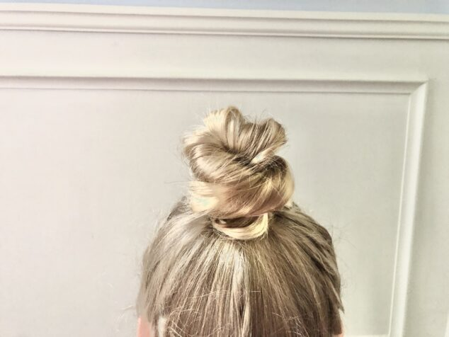 5 Easy Bun Hairstyles for Girls