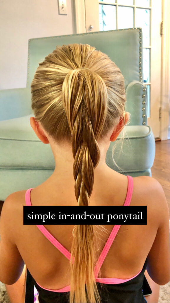 simple in and out ponytail