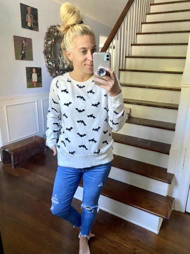 Halloween Bat Graphic Pullover Sweatshirt